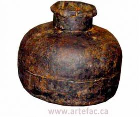 ART-002 Antique Iron Pot